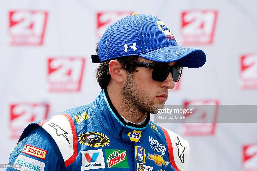 <a gi-track='captionPersonalityLinkClicked' href=/galleries/search?phrase=Chase+Elliott&family=editorial&specificpeople=3623017 ng-click='$event.stopPropagation()'>Chase Elliott</a>, driver of the #24 NAPA Auto Parts Chevrolet, celebrates with the 21 Means 21 pole award after qualifying for pole position for the NASCAR Sprint Cup Series GEICO 500 at Talladega Superspeedway on April 30, 2016 in Talladega, Alabama.