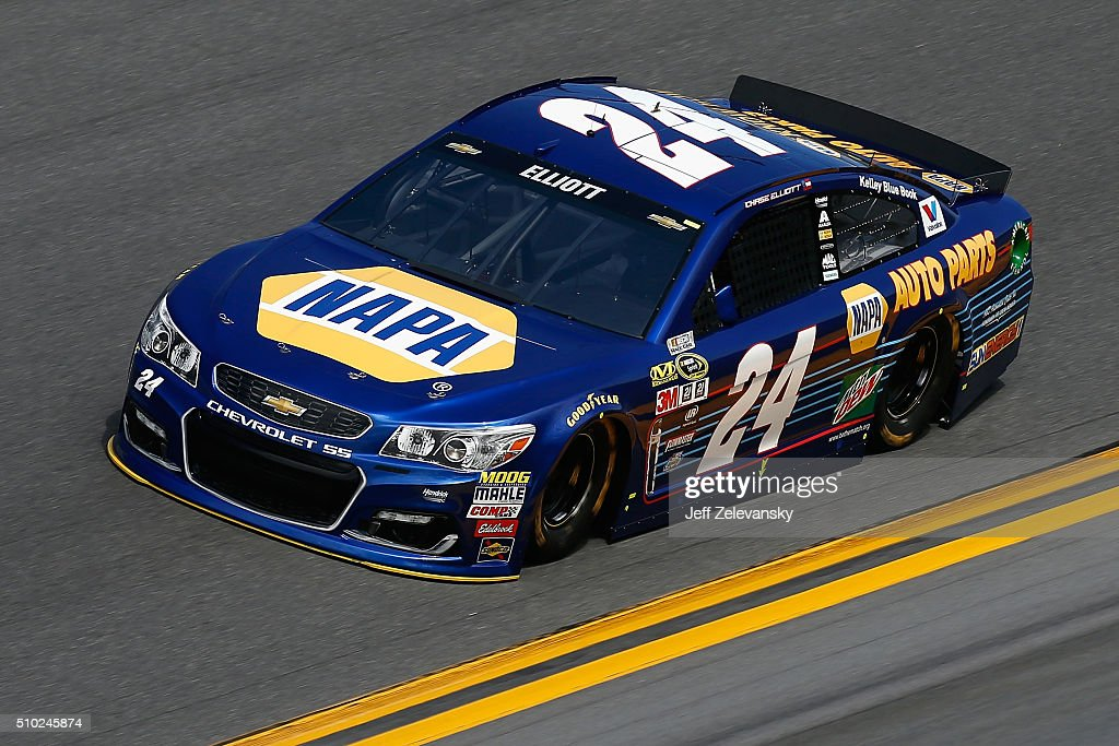 <a gi-track='captionPersonalityLinkClicked' href=/galleries/search?phrase=Chase+Elliott&family=editorial&specificpeople=3623017 ng-click='$event.stopPropagation()'>Chase Elliott</a>, driver of the #24 NAPA Auto Parts Chevrolet, drives during qualifying for the NASCAR Sprint Cup Series Daytona 500 at Daytona International Speedway on February 14, 2016 in Daytona Beach, Florida.