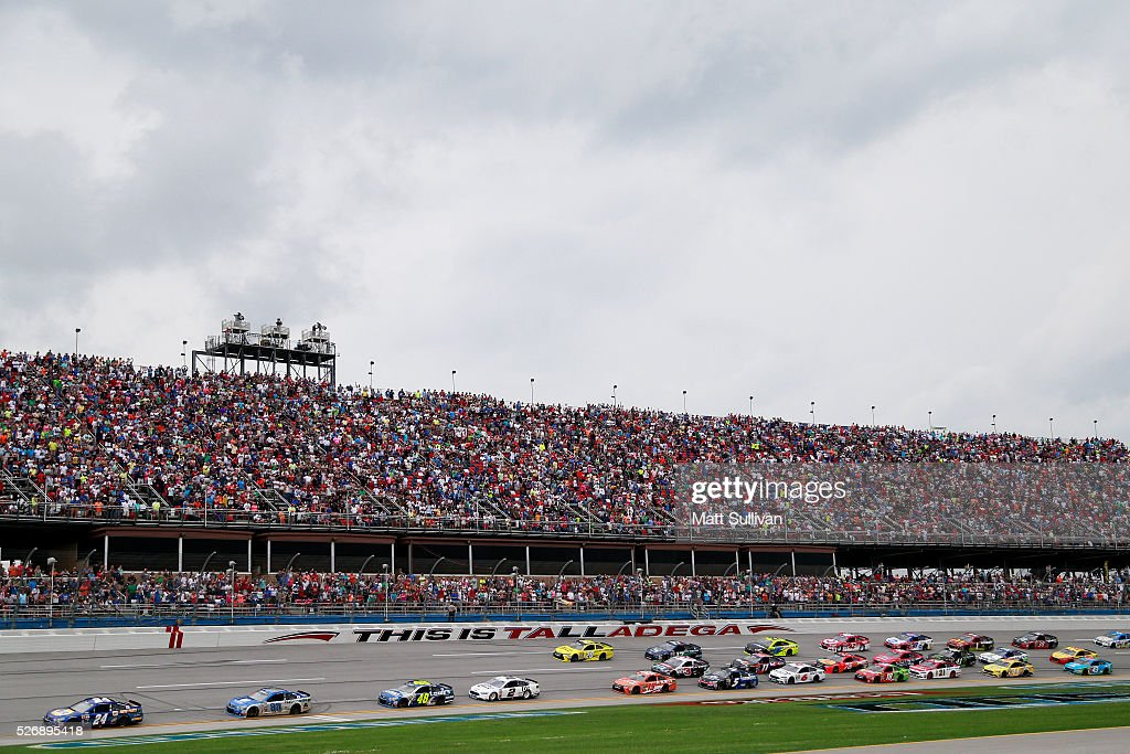 <a gi-track='captionPersonalityLinkClicked' href=/galleries/search?phrase=Chase+Elliott&family=editorial&specificpeople=3623017 ng-click='$event.stopPropagation()'>Chase Elliott</a>, driver of the #24 NAPA Auto Parts Chevrolet, leads a pack of cars during the NASCAR Sprint Cup Series GEICO 500 at Talladega Superspeedway on May 1, 2016 in Talladega, Alabama.