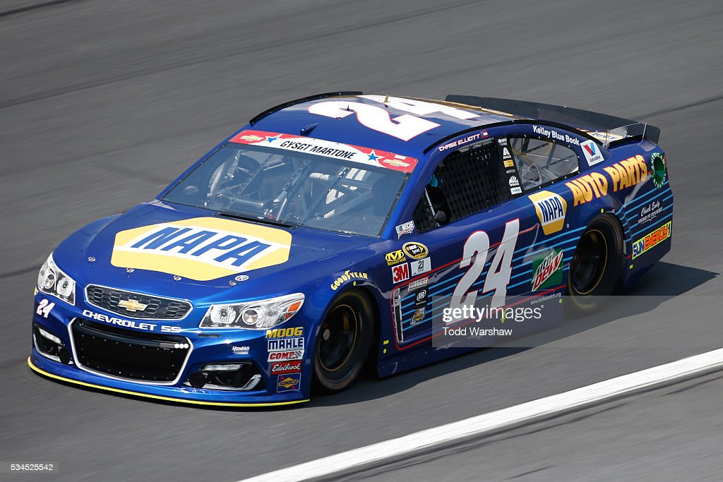<a gi-track='captionPersonalityLinkClicked' href=/galleries/search?phrase=Chase+Elliott&family=editorial&specificpeople=3623017 ng-click='$event.stopPropagation()'>Chase Elliott</a>, driver of the #24 NAPA Auto Parts Chevrolet, practices for the NASCAR Sprint Cup Series Coca-Cola 600 at Charlotte Motor Speedway on May 27, 2016 in Charlotte, North Carolina.