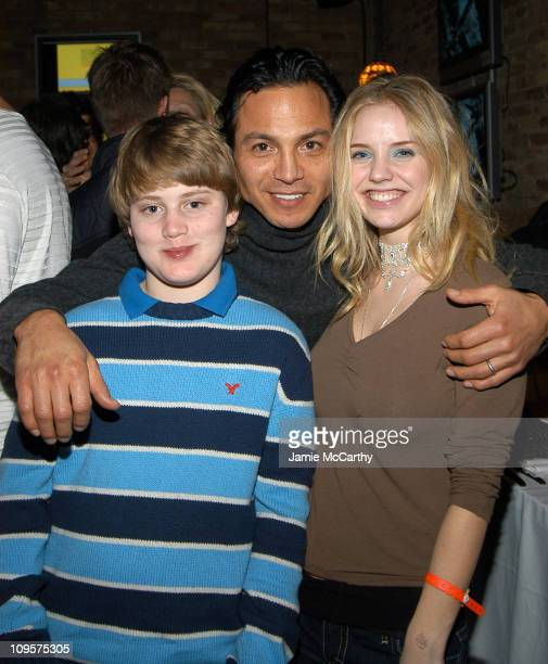 Chase Offerle Benjamin Bratt and Kelli Garner during 2005 Park City 'Thumbsucker' Dinner at ChefDance with Guest Host Rocco DiSpirito at Harry O's in...