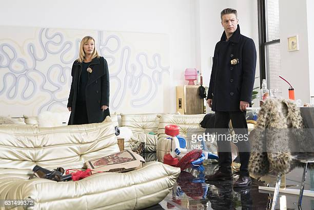 UNIT 'Chasing Theo' Episode 1813 Pictured Kelli Giddish as Detective Amanda Rollins Peter Scanavino as Dominick 'Sonny' Carisi