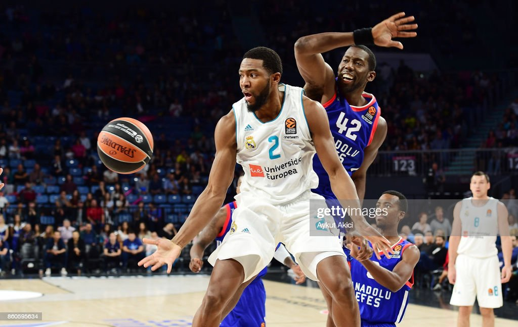 Anadolu Efes Istanbul v Real Madrid - Turkish Airlines EuroLeague