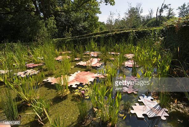 Chaumont sur loire stock fotos und bilder getty images for Garden pool crossword