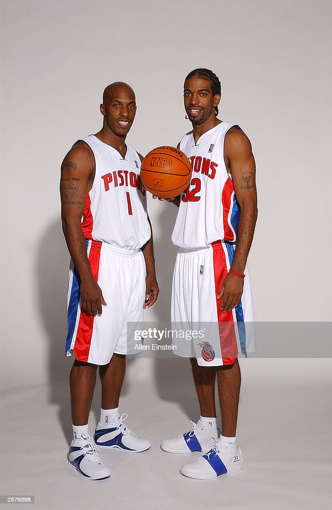 ¿Cuánto mide Carmelo Anthony? - Altura - Real height Chauncey-billups-and-richard-hamilton-of-the-detroit-pistons-during-picture-id2579398