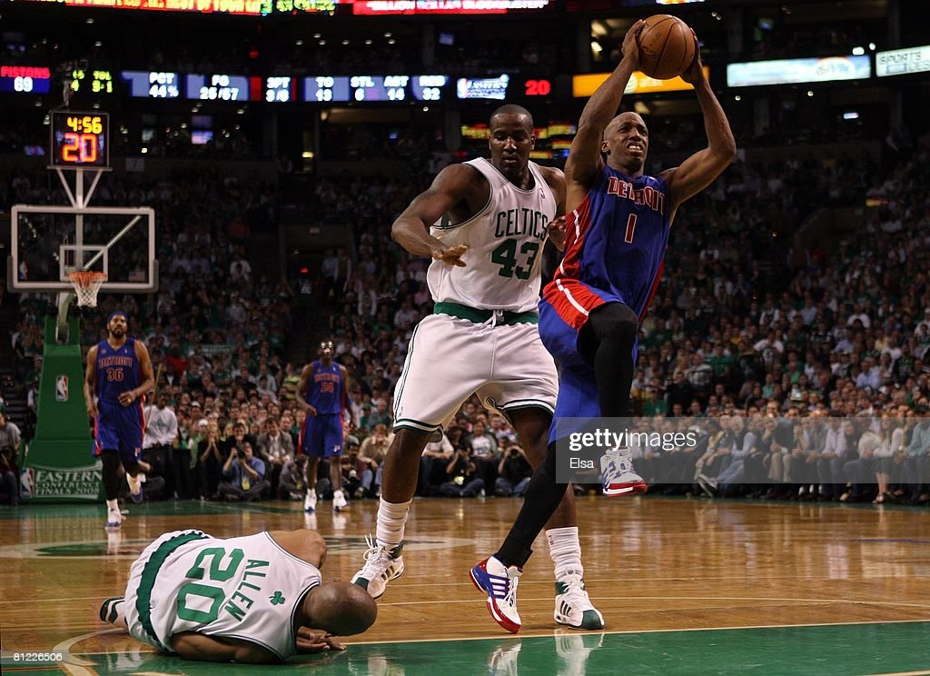 Chauncey Billups #1 of the Detroit Pistons goes to the hoop past Kendrick Perkins #43 and <a gi-track='captionPersonalityLinkClicked' href=/galleries/search?phrase=Ray+Allen&family=editorial&specificpeople=201511 ng-click='$event.stopPropagation()'>Ray Allen</a> #20 of the Boston Celtics during Game One of the 2008 NBA Eastern Conference finals at the TD Banknorth Garden on May 20, 2008 in Boston, Massachusetts.