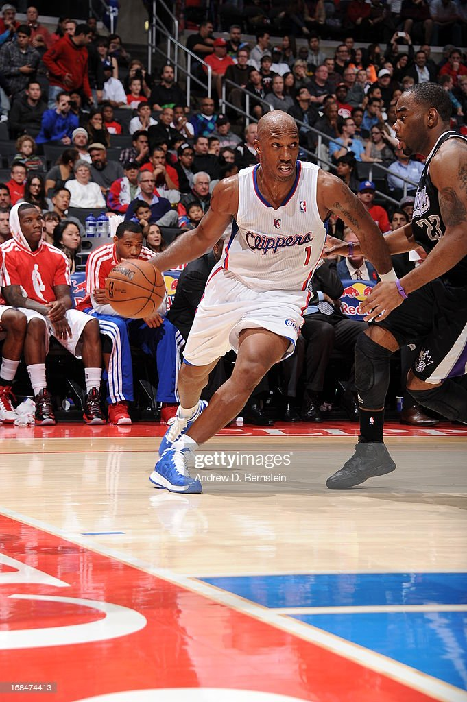 <a gi-track='captionPersonalityLinkClicked' href=/galleries/search?phrase=Chauncey+Billups&family=editorial&specificpeople=201508 ng-click='$event.stopPropagation()'>Chauncey Billups</a> #1 of the Los Angeles Clippers drives to the basket against the Sacramento Kings at Staples Center on December 1, 2012 in Los Angeles, California.