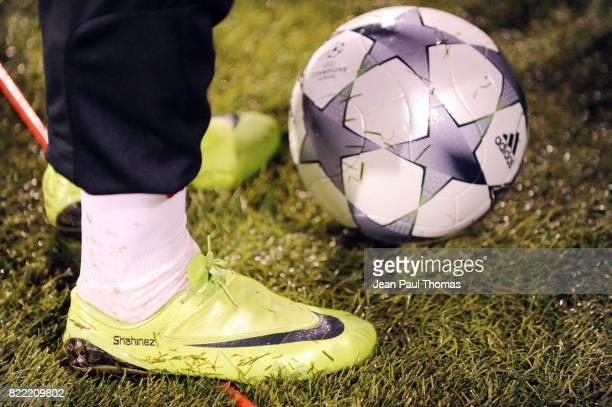 Chaussures Franck RIBERY avec le nom de sa fille Shaninez Entrainement du Bayern de Munich Lyon / Bayern Munich Champions League 2008/2009