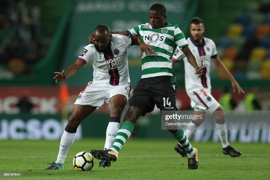 GD Chaves midfielder Jefferson Santos from Brazil (L) vies with Sporting CP midfielder William Carvalho from Portugal (R) for the ball possession during the Portuguese Primeira Liga round nine match between Sporting CP and GD Chaves at Estadio Jose Alvalade on October 22, 2017 in Lisbon, Portugal.