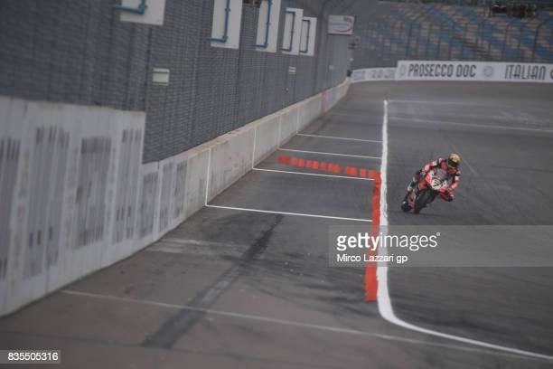 Chaz Davies of Great Britain and ARUBA heads down a straight before the FIM Superbike World Championship Race 1 at Lausitzring on August 19 2017 in...