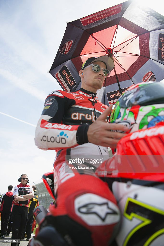 Chaz Davies of Great Britain and ARUBA.IT RACING-DUCATI prepares to start on the grid during the Superbike Race 1 during the World Superbikes - Qualifying at Enzo & Dino Ferrari Circuit on April 30, 2016 in Imola, Italy.