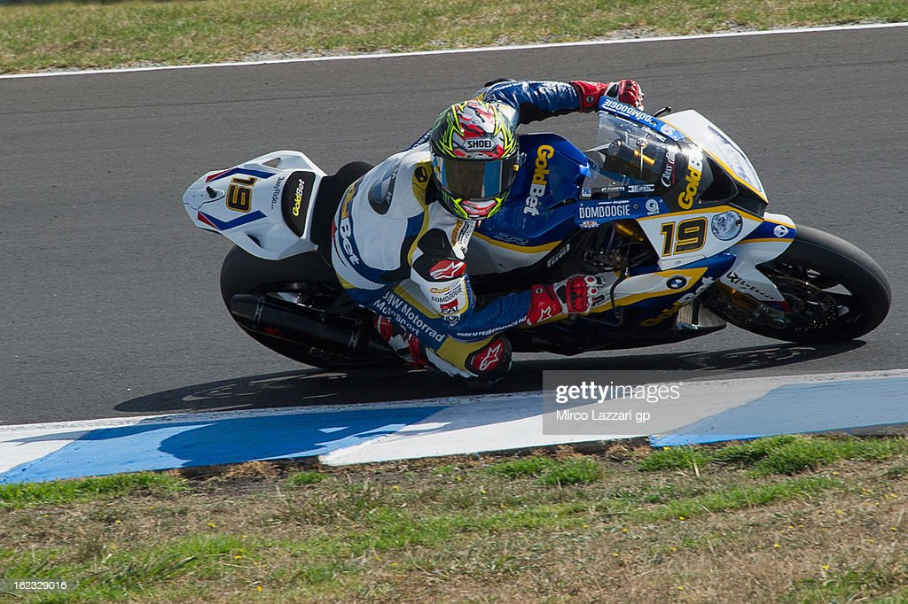 Chaz Davies of Great Britain and BMW Motorrad GoldBet SBK rounds the bend during qualifying practice ahead of the World Superbikes at Phillip Island Grand Prix Circuit on February 22, 2013 in Phillip Island, Australia.