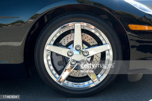 Check out these chrome rims be stylin'.