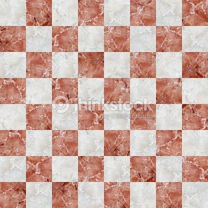 Ajedrezada costuras con azulejos de m rmol blanco y rojo for Suelo marmol rojo