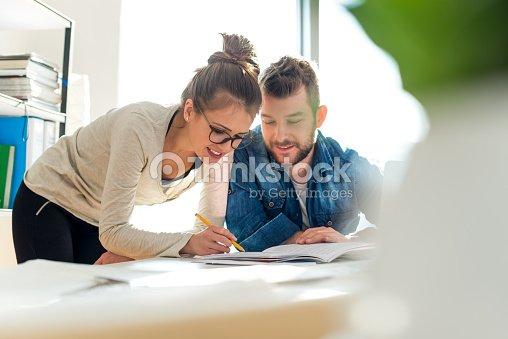 Überprüfung der Dokumente : Stock-Foto