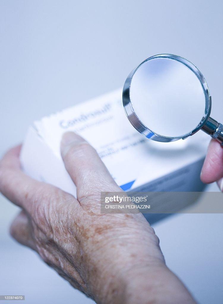 Checking drug packaging