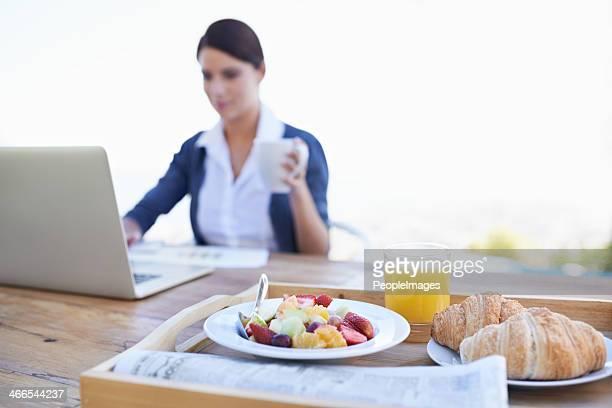 Vérifier son courrier électronique avant le petit déjeuner