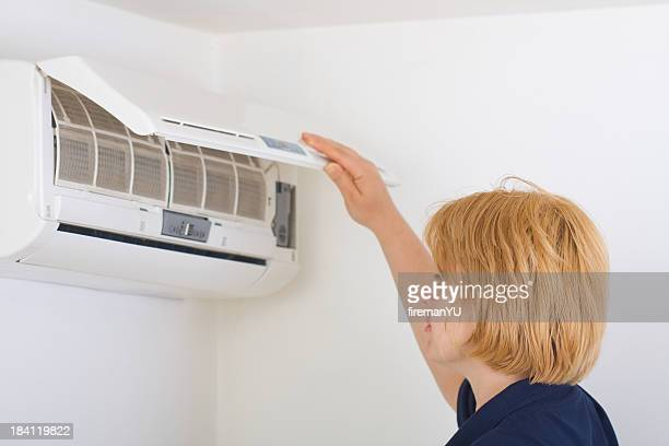 Checking state of air conditioner