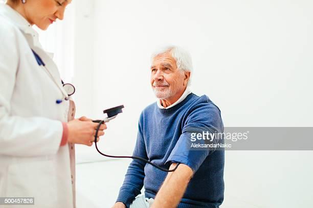 Controllare la pressione sanguigna