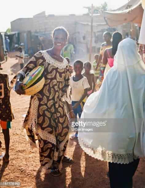 Fate il tifo per il bambino, Burkina Faso, Africa