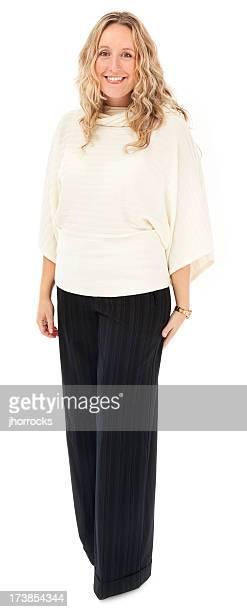 Fröhlich Blonde Frau in weißen Pullover