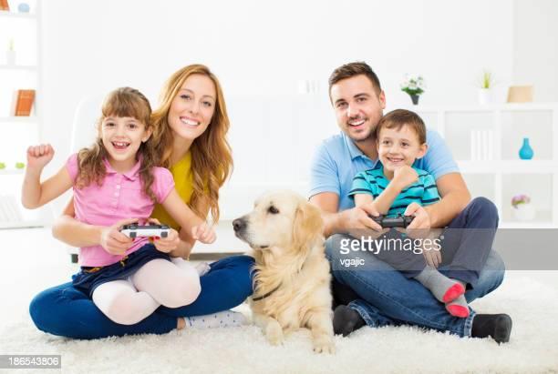 楽しいビデオゲームをご家族でおくつろぎいただけます。
