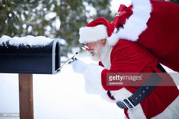 陽気なサンタクロースブラウス、クリスマスギフトのメールボックス