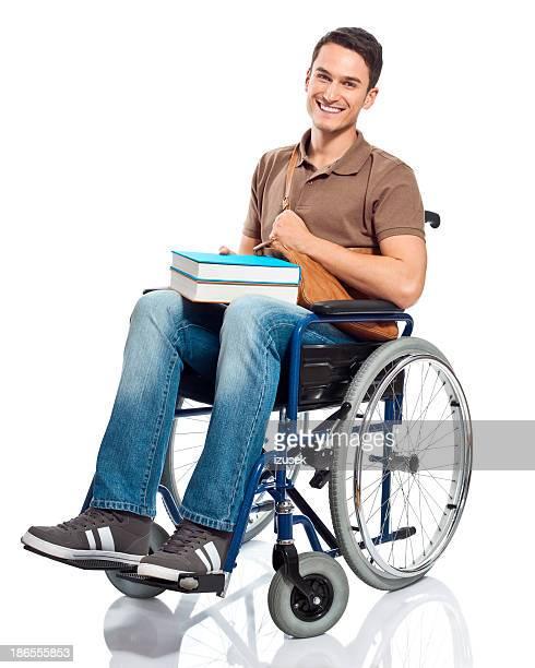 Fröhlich student im Rollstuhl