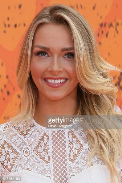 Is a cute Camille Kostek  naked (92 photo), Snapchat, bra