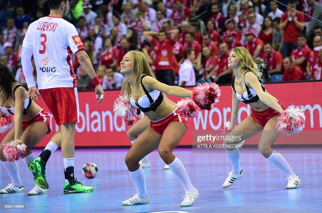 [Image: cheerleaders-dance-during-break-time-of-...d505418698]