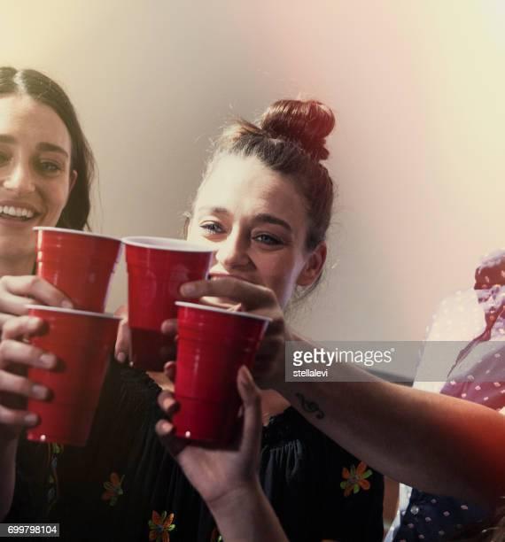 Cheers-boire lors d'une fête