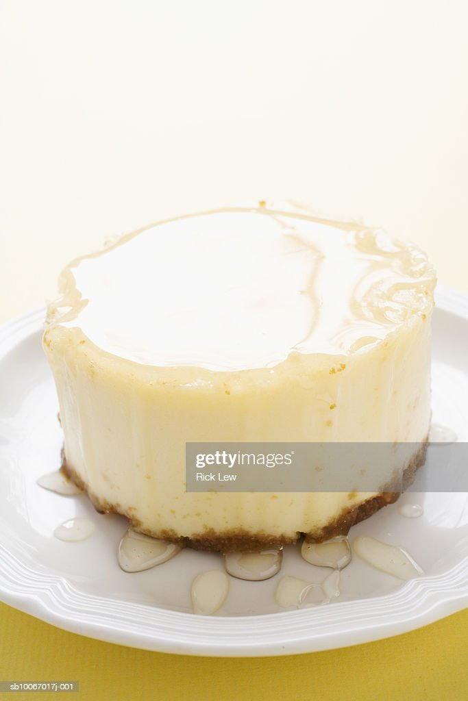 Cheesecake on plate, studio shot : Stock Photo