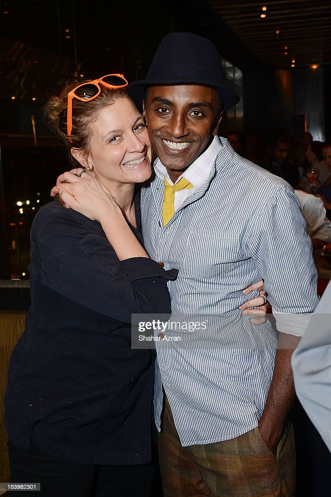 Chef Amanda Freitag and Chef <a gi-track='captionPersonalityLinkClicked' href=/galleries/search?phrase=Marcus+Samuelsson&family=editorial&specificpeople=2143367 ng-click='$event.stopPropagation()'>Marcus Samuelsson</a> attend the 'Chopped' Event at Landmarc on October 11, 2012 in New York City.