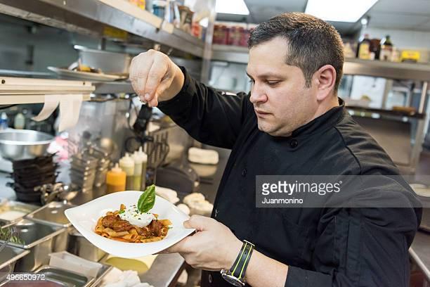 Chef nella sua cucina