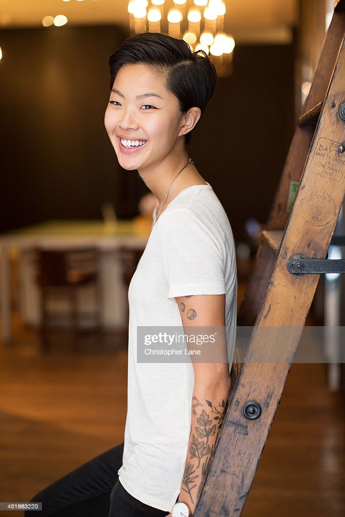 how tall is kristen kish