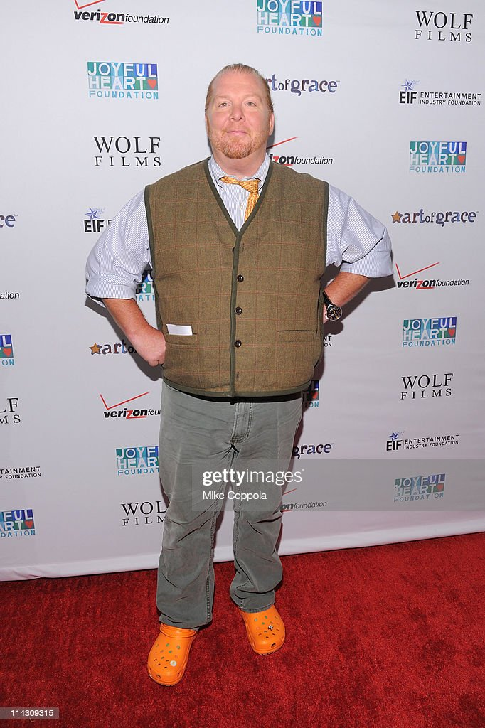 Chef <a gi-track='captionPersonalityLinkClicked' href=/galleries/search?phrase=Mario+Batali&family=editorial&specificpeople=669889 ng-click='$event.stopPropagation()'>Mario Batali</a> attends the 2011 Joyful Heart Foundation Gala at The Museum of Modern Art on May 17, 2011 in New York City.