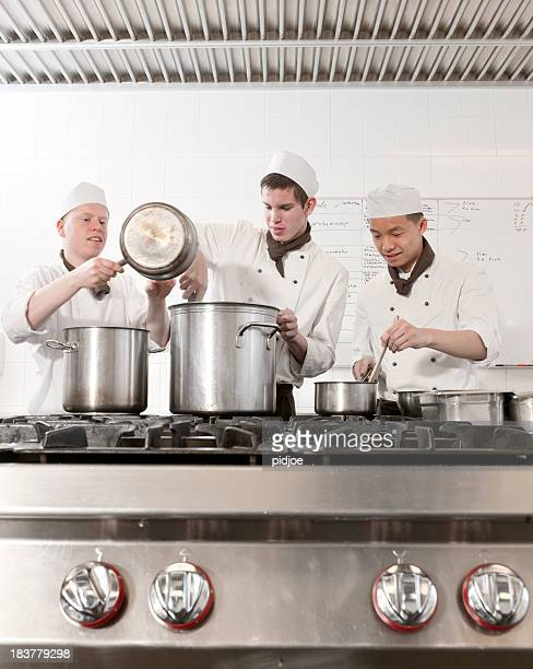 Chefkoch trainees Vorbereitung Tomatensuppe
