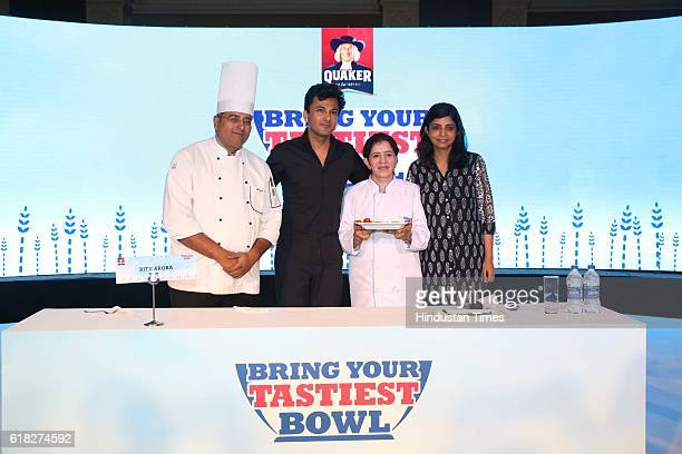 Chef Vikas Khanna with Delhibased winner participant Ritu Arora and Deepika Warrier Vice President Nutrition Category PepsiCo India during a 'Quaker...