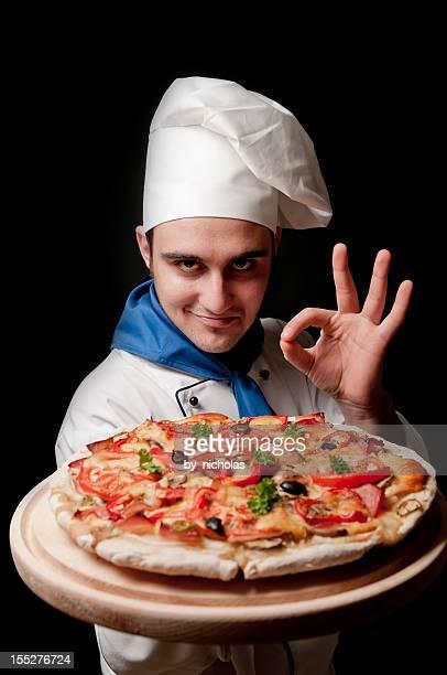 Chef mit pizza