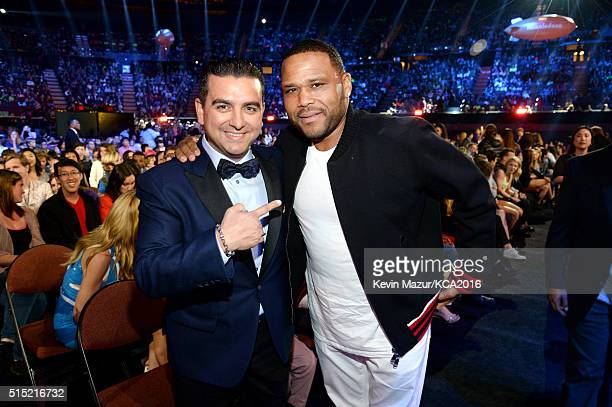 Chef/TV personality Buddy Valastro and actor Anthony Anderson attend Nickelodeon's 2016 Kids' Choice Awards at The Forum on March 12 2016 in...