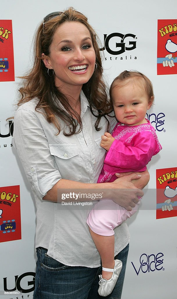 Chef/TV personality Giada De Laurentiis and her daughter Jade attend the 3rd annual Kidstock Music and Art Festival at Greystone Mansion on May 31, 2009 in Beverly Hills, California.