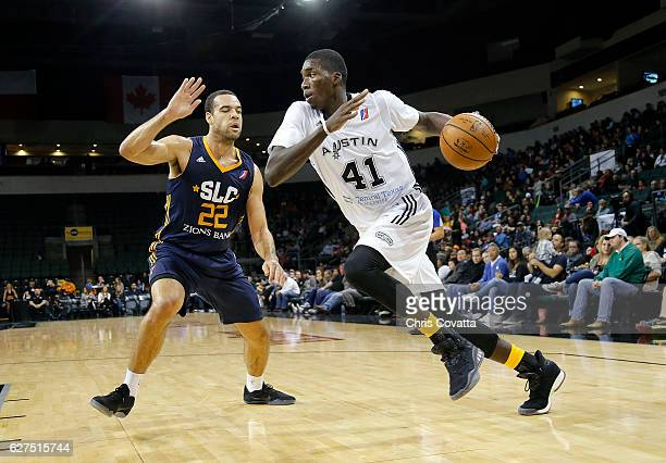 Cheick Diallo of the Austin Spurs drives around JJ O'Brien of the Salt Lake City Stars at the HEB Center At Cedar Park on December 3 2016 in Cedar...