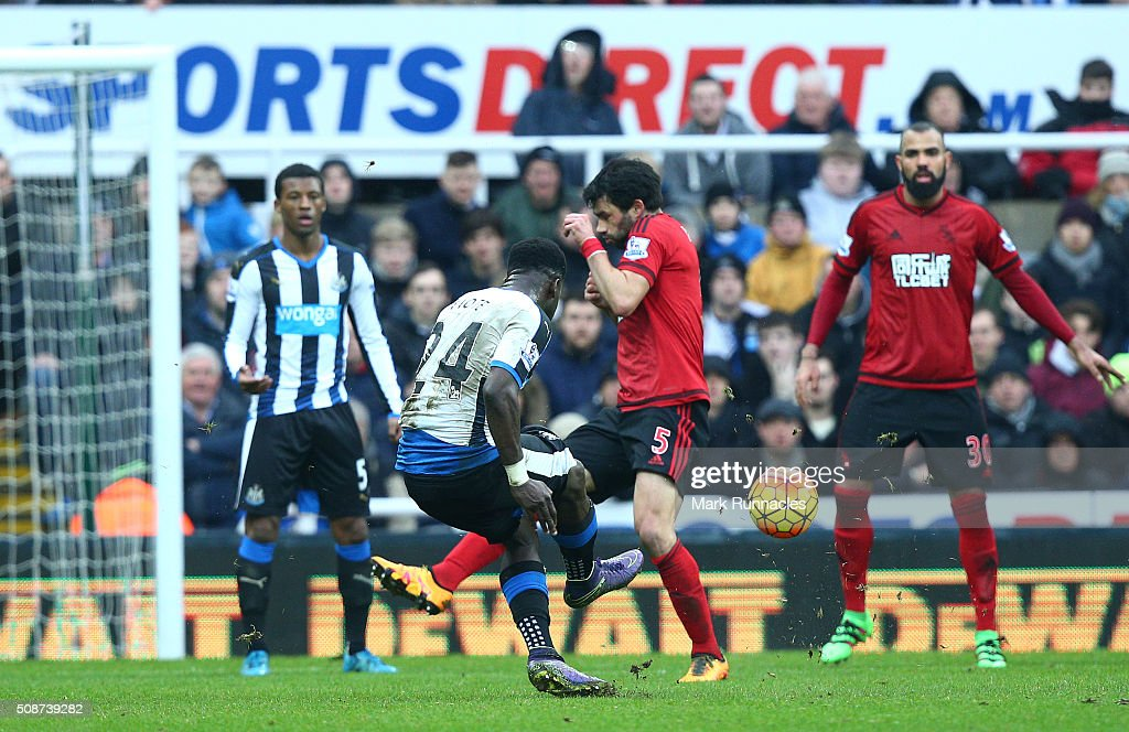 <a gi-track='captionPersonalityLinkClicked' href=/galleries/search?phrase=Cheick+Tiote&family=editorial&specificpeople=5490367 ng-click='$event.stopPropagation()'>Cheick Tiote</a> of Newcastle United scores a long range shot in the first half, only to have his goal ruled out by referee Lee Mason during the Barclays Premier League match between Newcastle United FC and West Bromwich Albion FC at St James' Park on February 6, 2016 in Newcastle Upon Tyne, England.