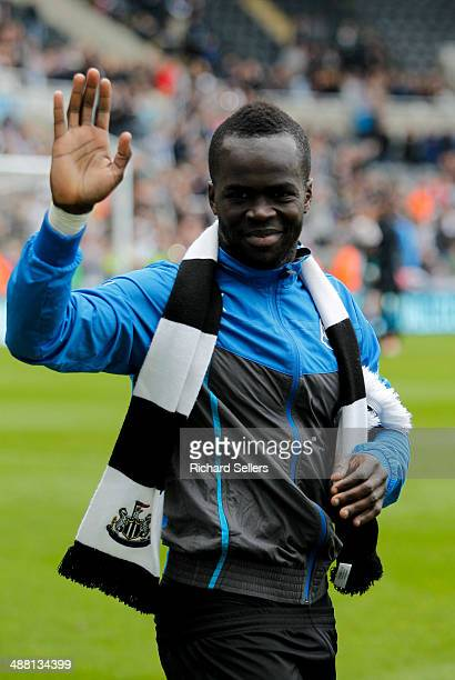 Cheik Ismael Tiote of Newcastle celebrates on the pitch after the Barclays Premier League match between Newcastle United and Cardiff City at St...