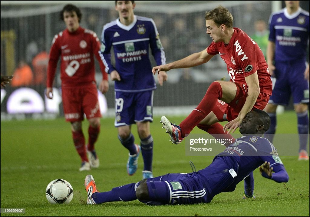 Cheikhou Kouyate of Anderlecht and Brecht Dejaegere of Courtrai pictured during the Jupiler League match between RSC Anderlecht and KV Kortrijk on November 18, 2012 in Anderlecht, Belgium.