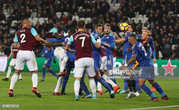 Cheikhou Kouyate of West Ham United scores their first and equalising goal during the Premier League match between West Ham United and Leicester City...