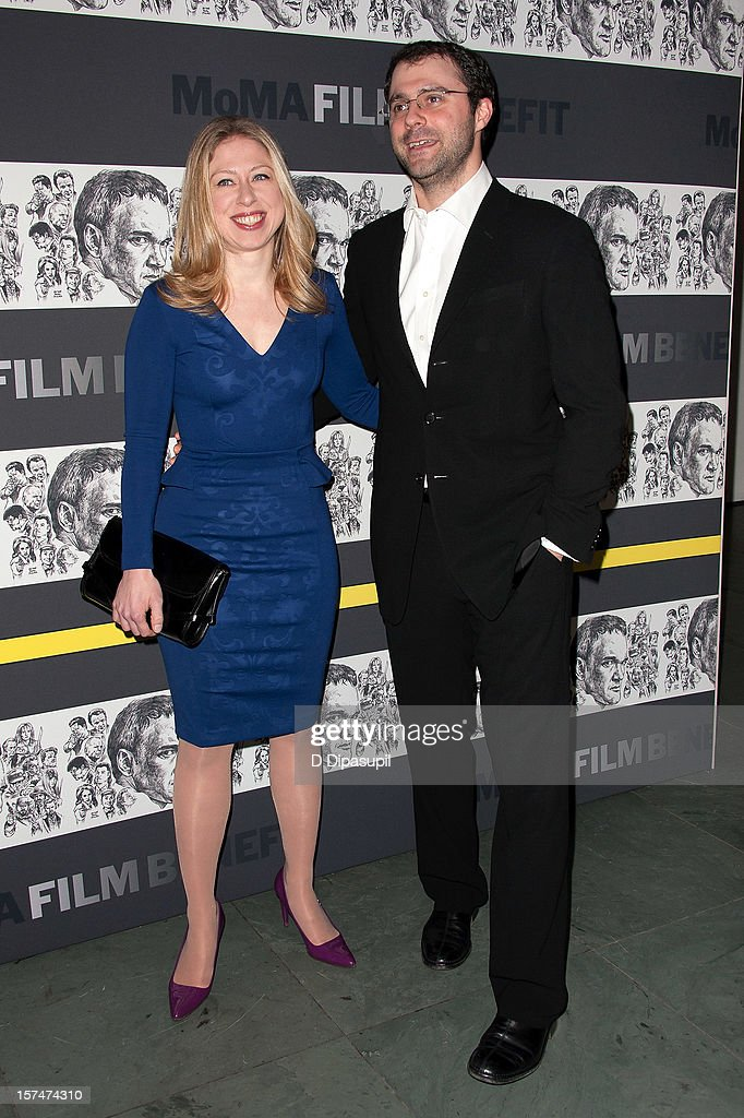 Chelsea Clinton (L) and husband Marc Mezvinsky attend the Museum of Modern Art film benefit honoring Quentin Tarantino on December 3, 2012 in New York City.
