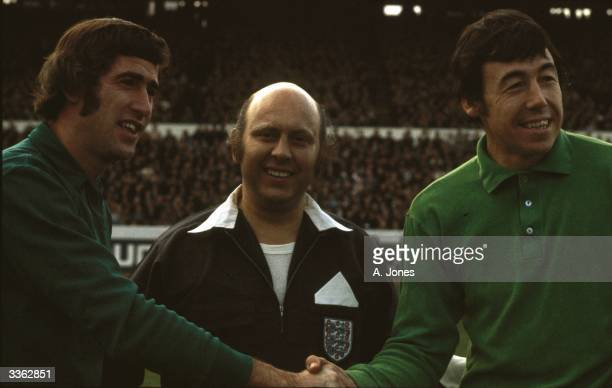 Chelsea goalkeeper Peter Bonetti shakes hands with Stoke City goalkeeper Gordon Banks as referee R B Kirkpatrick looks on before the start of their...