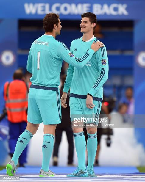 Chelsea goalkeepers Asmir Begovic and Thibaut Courtois before kick off