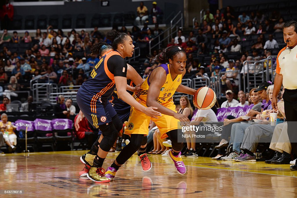 <a gi-track='captionPersonalityLinkClicked' href=/galleries/search?phrase=Chelsea+Gray&family=editorial&specificpeople=7420247 ng-click='$event.stopPropagation()'>Chelsea Gray</a> #12 of the Los Angeles Sparks handles the ball against the Connecticut Sun on June 26, 2016 at STAPLES Center in Los Angeles, California.